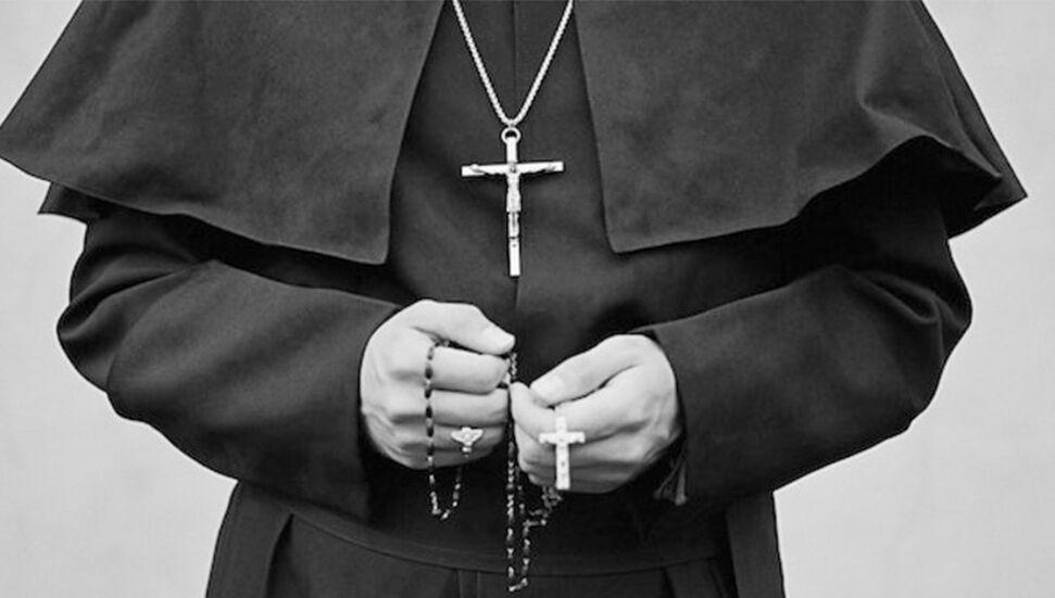 Τελετή κηδείας για έναν πάστορα που πέθανε από κοροναϊό στη Νότια Κύπρο