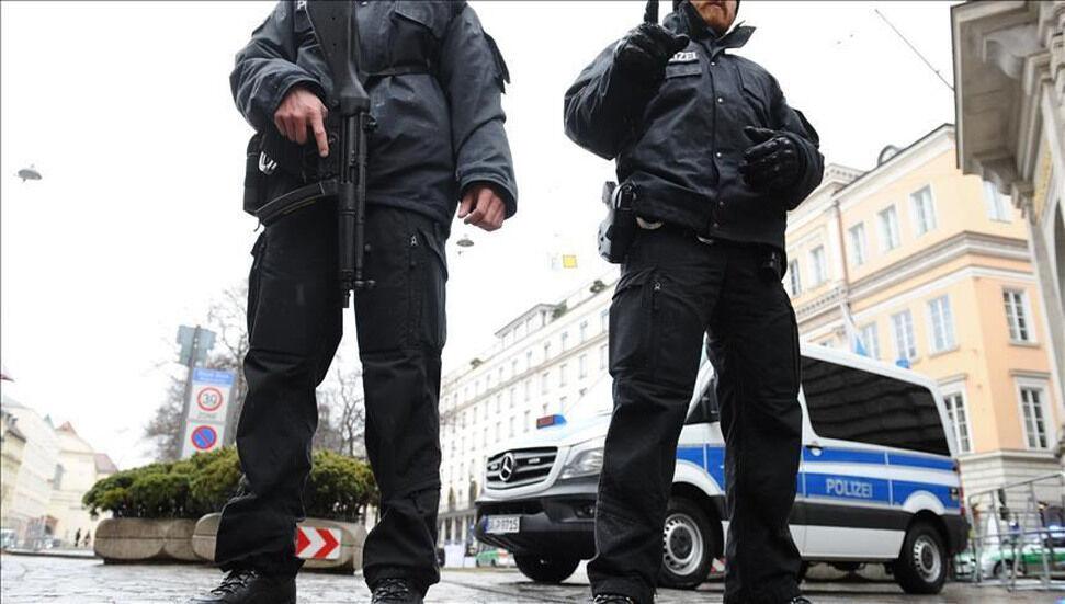 Η αστυνομία στη Γερμανία νοσηλεύει 17χρονο τούρκικο κορίτσι και πατέρα