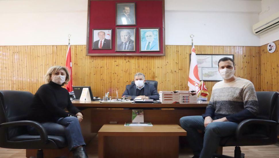 Η Tıp-İş έδωσε ταμπλέτες στο Γυμνάσιο Anafartalar