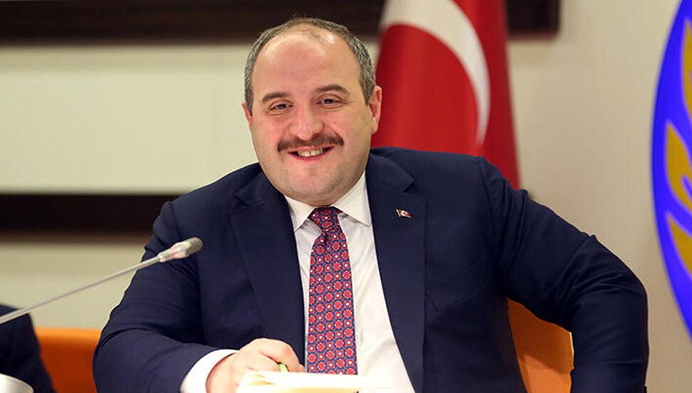 Ο Varank, Υπουργός Βιομηχανίας και Τεχνολογίας της Δημοκρατίας της Τουρκίας, έστειλε το εγχώριο εμβόλιο κοροναϊού